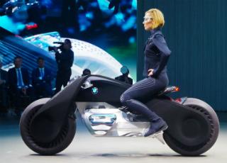 Vision Next 100 - уникальный концепт мотоцикла от BMW (видео)