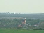 Видна<br />             Красная церковь в соседнем селе  (Румыния)